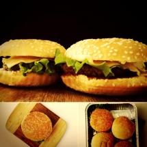 Бургер с оубленой говядиной и овощами